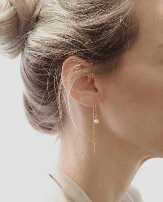 boucle d'oreille chaine fine