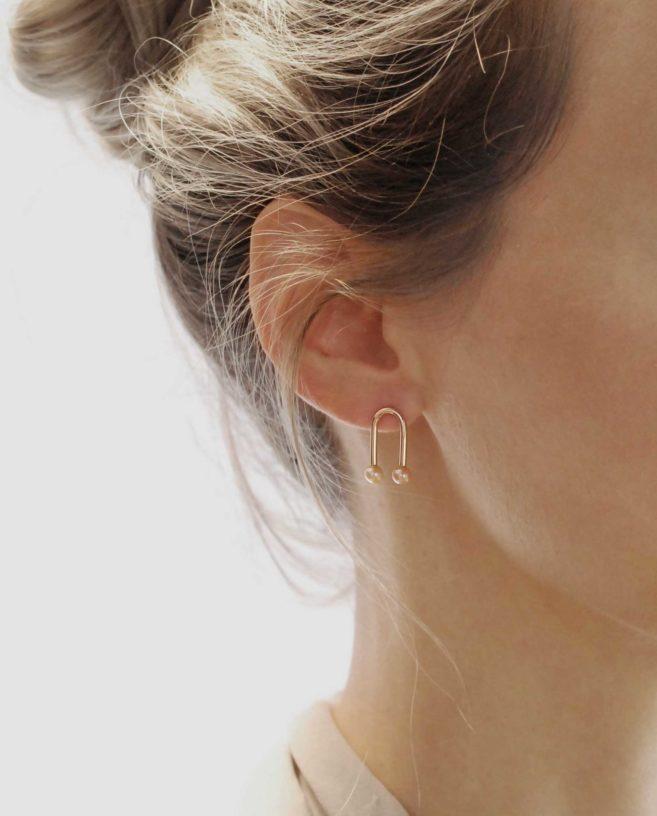 boucles d'oreilles or rose contemporaines