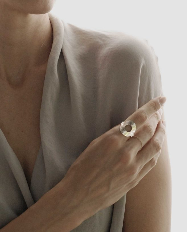 hammered disc ring silver