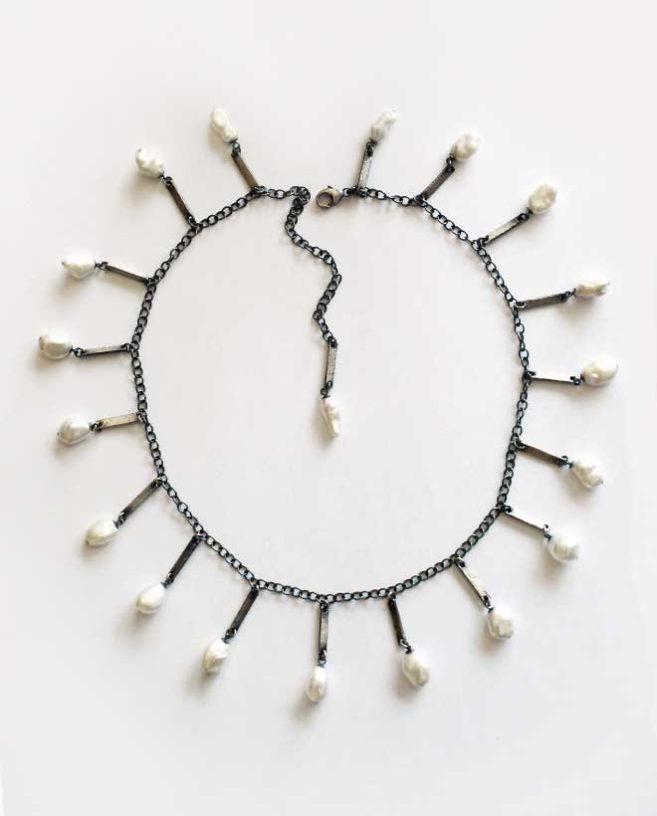 collier de perles contemporaines