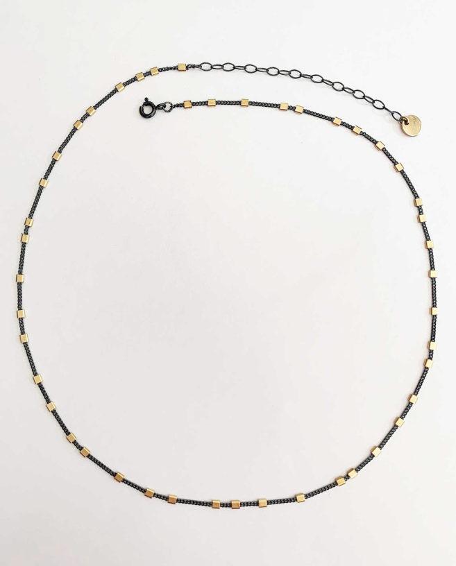 chaine noir et or